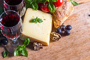 Cheese with red wine