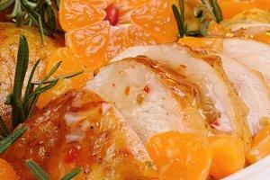 Baked chicken in tangerine sauce