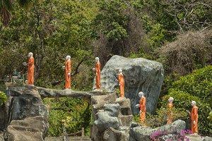 Buddha statues in Dambula