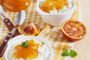 cottage cheese with orange jam