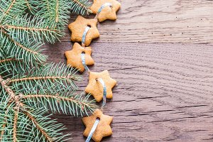 Gingerbread star garland