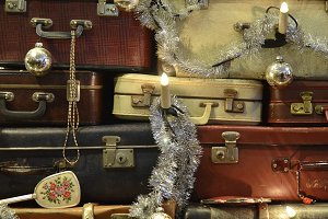 Suitcase Christmas tree details land