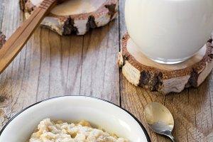 Oatmeal porridge, healthy breakfast