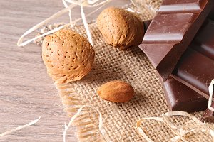 Artisan choco and almonds elevated