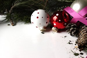 Christmas Ornaments & Foliage 2