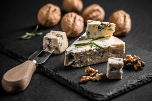 Blue cheese with nut