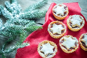 Mince pies with Christmas tree