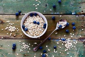 Oatmeal and fresh berries