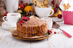 Orange and cranberry christmas cake