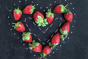 Valentine's day greeting berry set