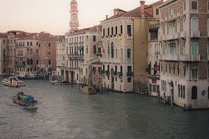 Before sunrise in the Grand canal