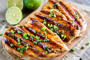 Grilled chicken in lime sauce