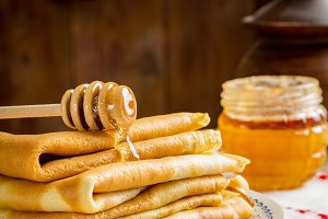 Crepes or blinis with honey