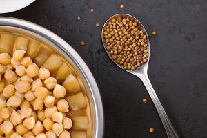 Boiled chickpeas and spices