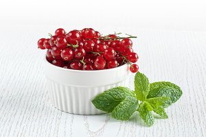 juicy red currants