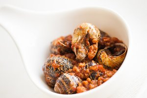 Snails with tomato