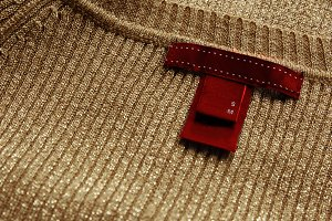 Red label,sewn on delicate sweater g