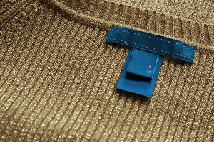 bue label,sewn on delicate sweater g