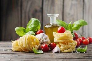 Fresh tomato, basil, olive oil pasta