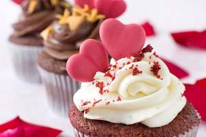 Cupcakes and petals
