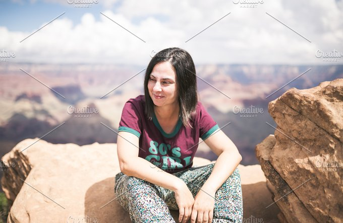 Happy girl in Grand Canyon. Young mu - Holidays