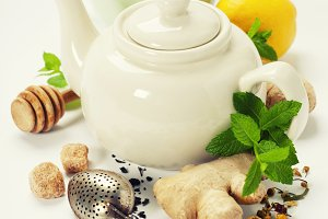 Tea with mint, ginger and lemon