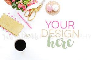 Feminine Pink Flower Styled Desktop