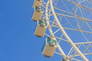 Ferris wheel in white.jpg