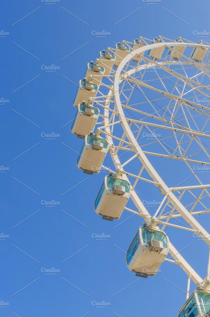 Ferris wheel in white.jpg - Arts & Entertainment