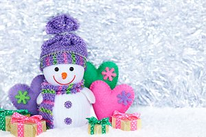 New Year 2015. Happy Snowman, gift