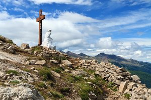 Dolomiti - cross in Castellazzo peak