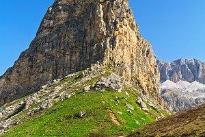 path in Pordoi pass