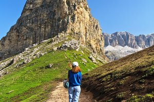 trekking on Pordoi pass