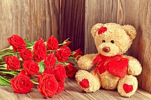 Valentines Day. Teddy Bear Loving. Hearts, roses