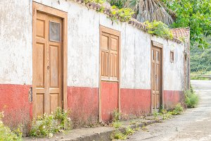 Facade of typical old Canarian house