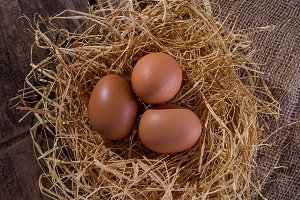 Basket with eggs (II)
