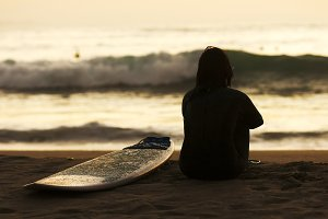 surfer woman silhouette