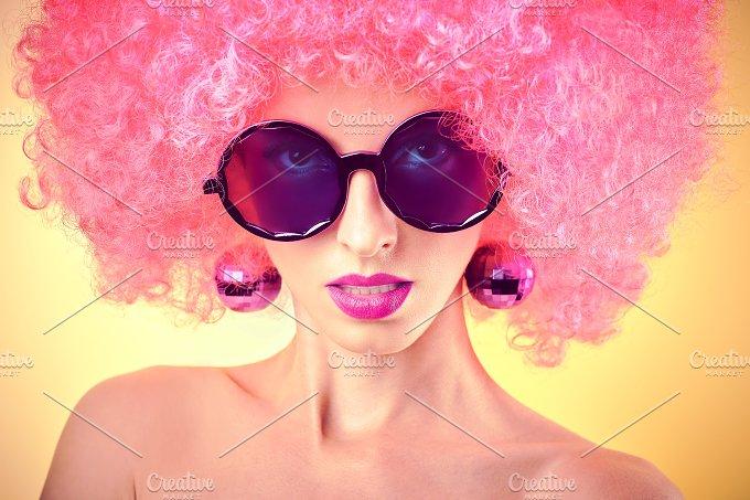 Fashion portrait of sexy nude beauty woman. Vivid party look - Beauty & Fashion