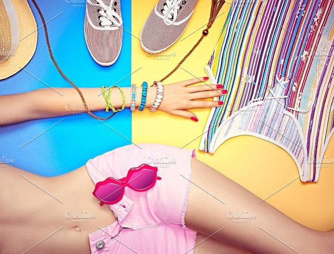 Fashion clothes stylish set, woman sexy body. Vivid beach look - Beauty & Fashion