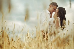 Romantic in field