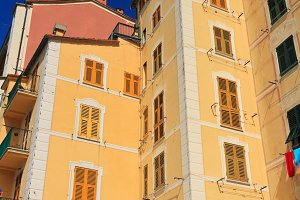 Liguria - homes in Camogli