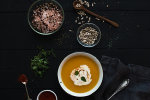 Pumpkin soup with cream & seeds
