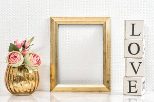 Picture frame and pink roses