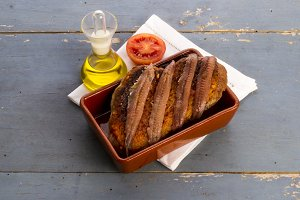 Toast and anchovies (5)