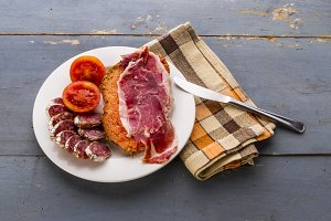 Toast and cured meats (3)