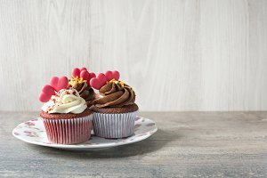 Cupcakes with sweet hearts