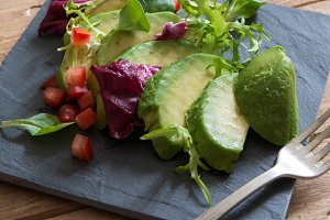 Avocado and ettuce salad