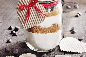 Chocolate chips cookie mix in jar