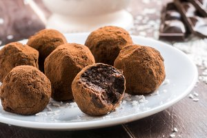 Vegan chocolate truffles