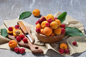 Apricots and raspberry